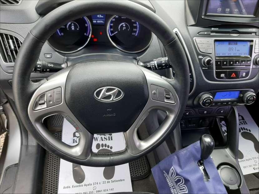 Hyundai Tucson LX 2012 - 2