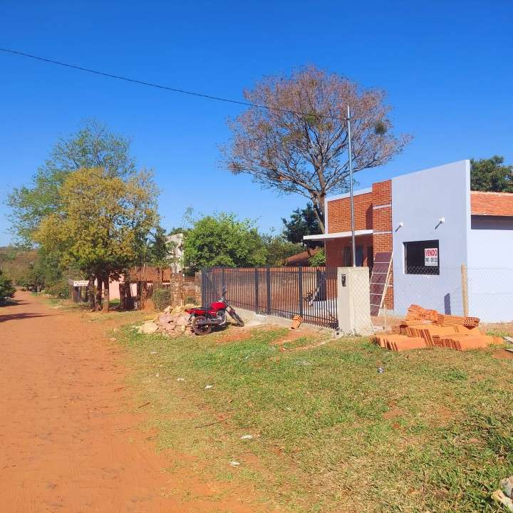 Casa a estrenar en Ñemby Barrio Caaguazú - 1