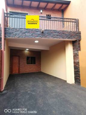 Duplex en Fernando de la Mora zona Norte E2389