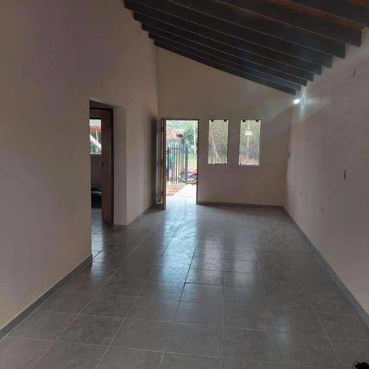 Casa a estrenar en Ñemby Barrio Caaguazú - 2
