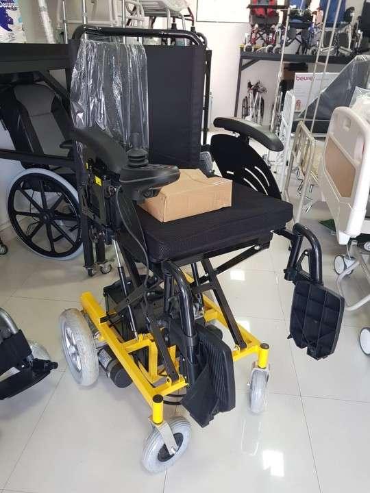 Silla de ruedas con elevación motorizada - 3