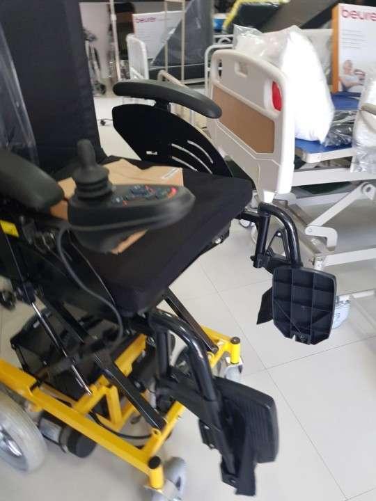 Silla de ruedas con elevación motorizada - 4