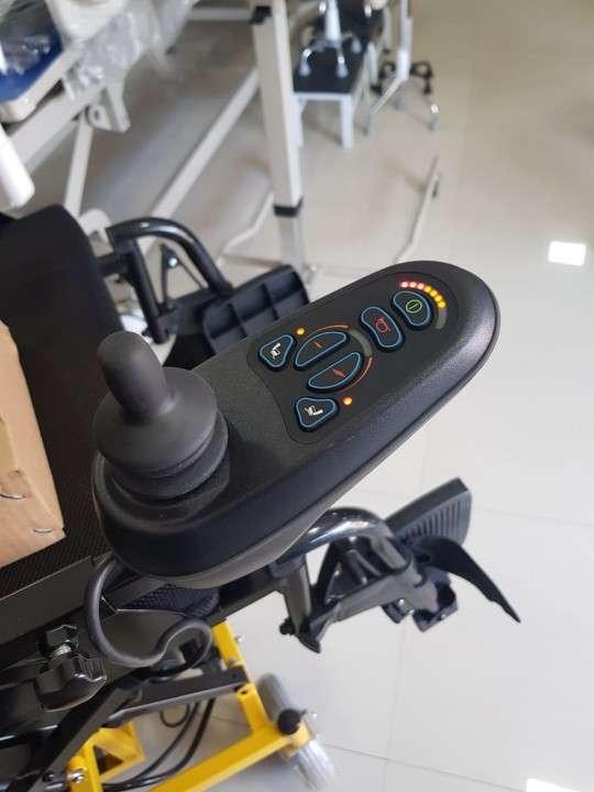 Silla de ruedas con elevación motorizada - 5