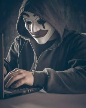 Protéjase de los ciberataques de los hackers