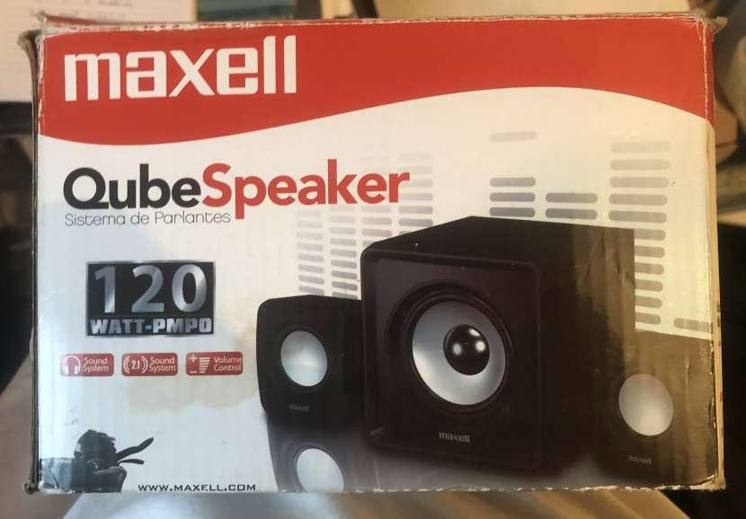 Sistema de parlantes Maxell QubeSpeaker - 0