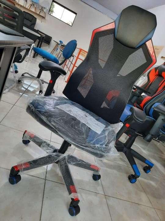 Silla gamer racing 120 Kg Consumer (7001) - 3
