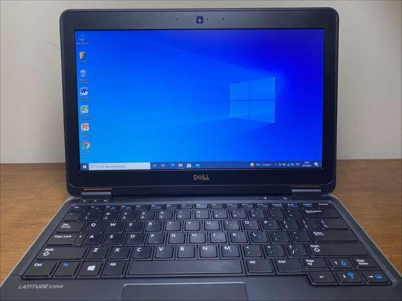 Notebook Dell Latitude E7240 - i7 8GB 256GB SSD - 2
