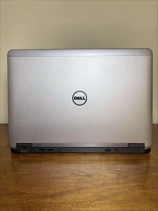 Notebook Dell Latitude E7240 - i7 8GB 256GB SSD - 1