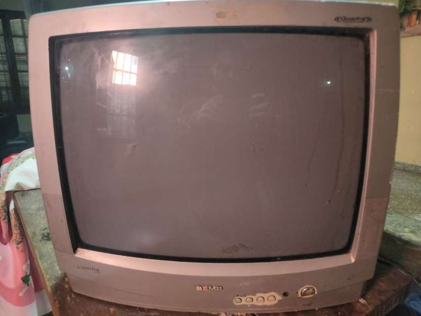 Televisor para repuesto - 1