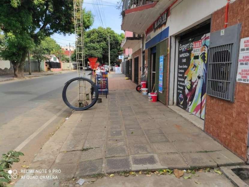 Salón comercial en San Lorenzo - 2