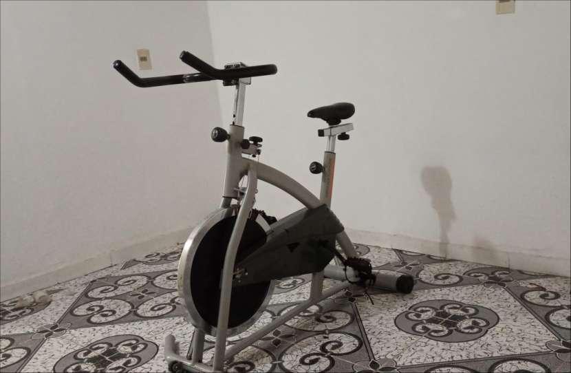 Bicicleta estática Athletic - 0