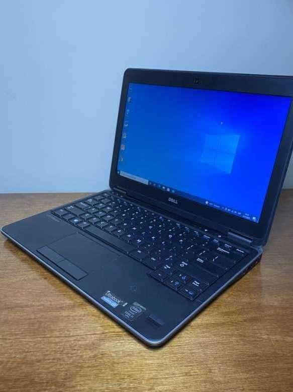 Notebook Dell Latitude E7240 - i7 8GB 256GB SSD - 3