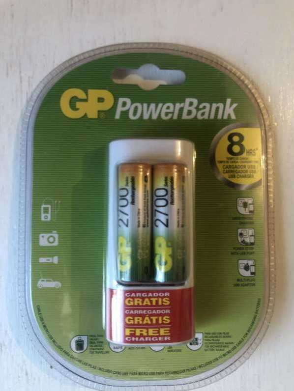 Pilas GP Powerbank con cargador incluido - 0