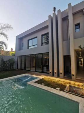 Casa moderna a estrenar en Mburucuyá