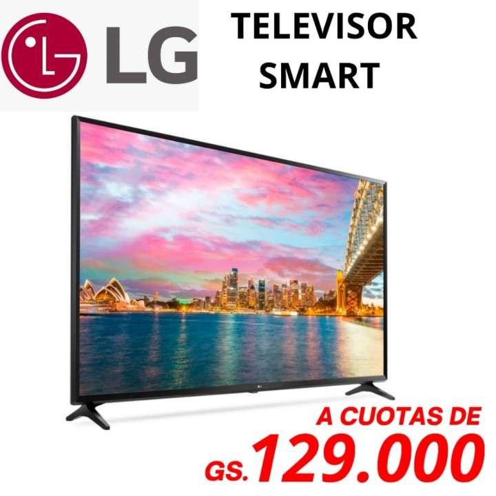 Smart TV LG de 32 pulgadas HD - 0