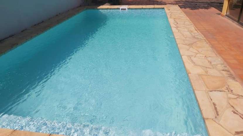 Casa con piscina en Fernando de la Mora zona Sur - 0