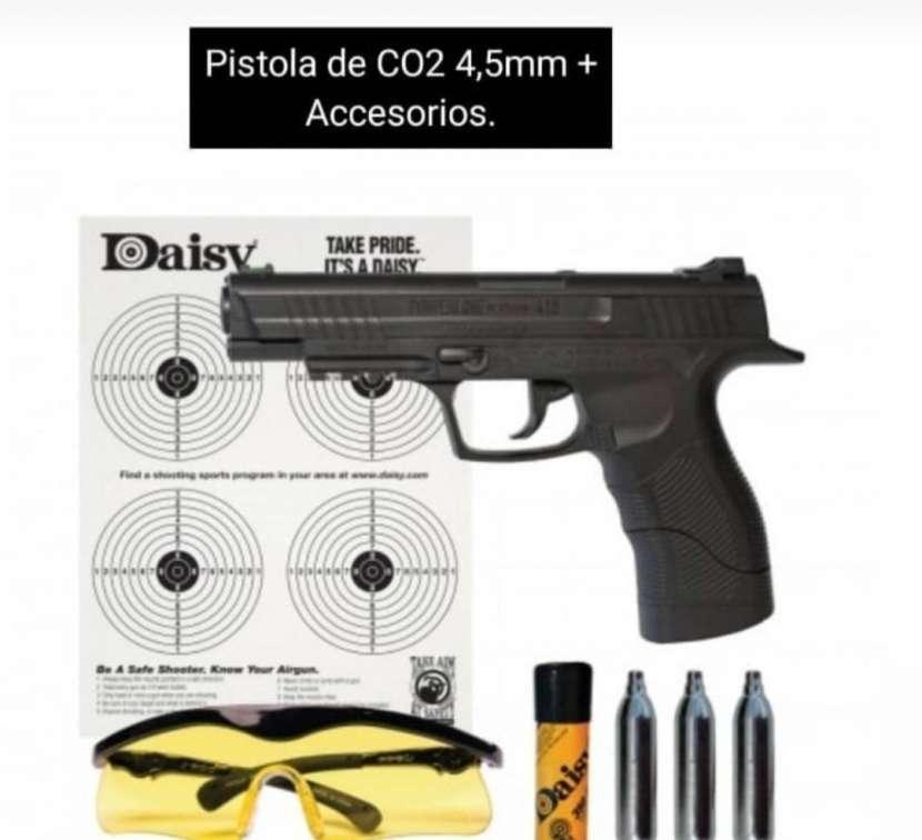 Pistola Co2 más accesorios - 0