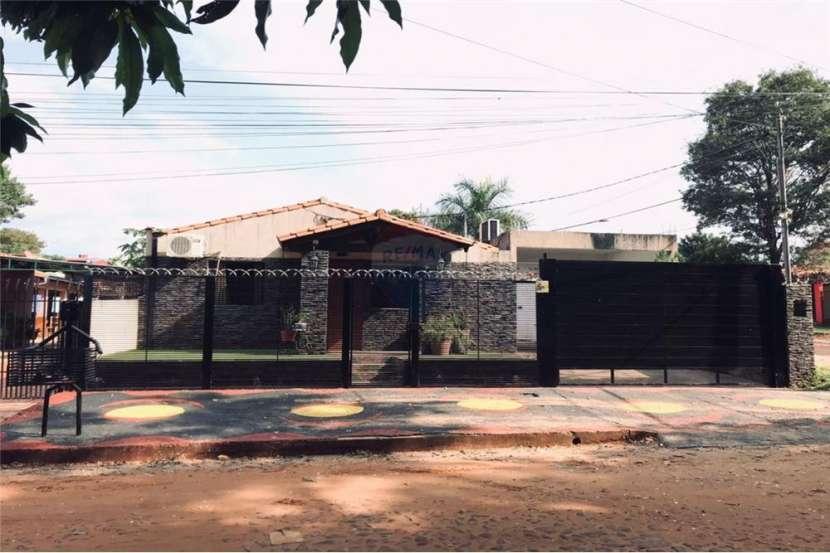 Casa en esquina San Lorenzo - 0