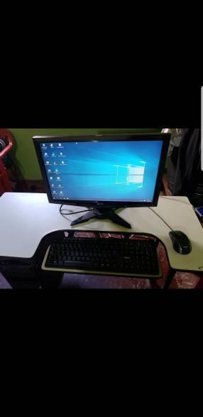 PC de escritorio + mesa