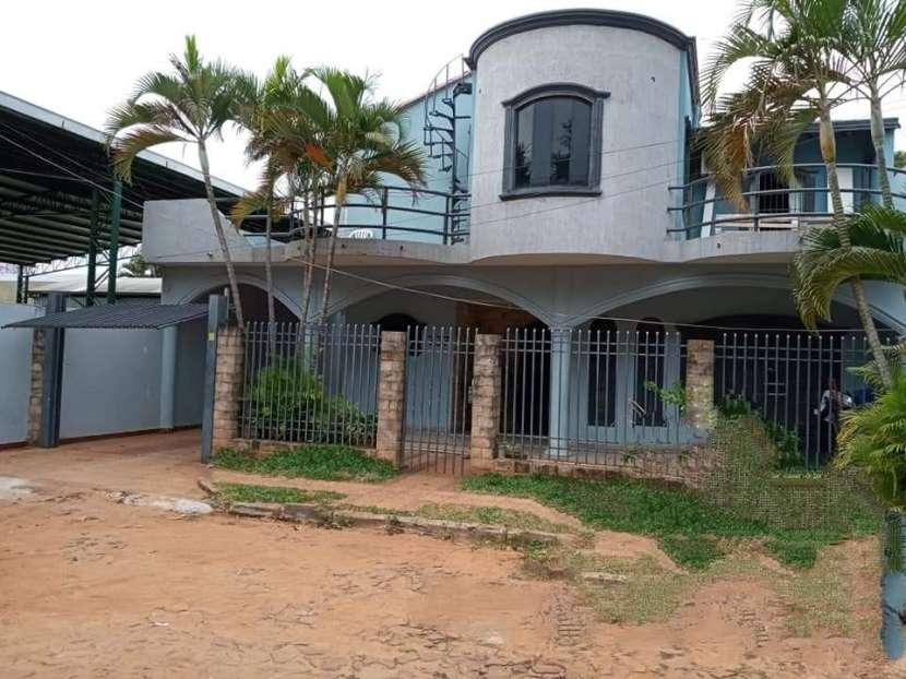Casa en Fernando de la Mora zona Sur E2396 - 0