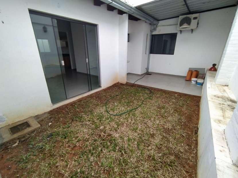 Casa con salón comercial en Villa Elisa - 6