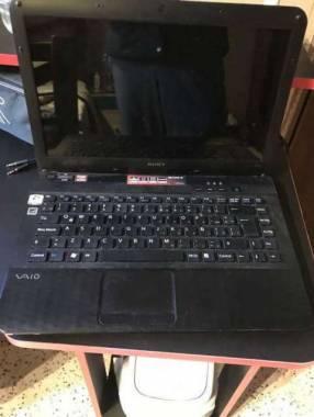 Notebook Sony Vaio + mouse con windows 7