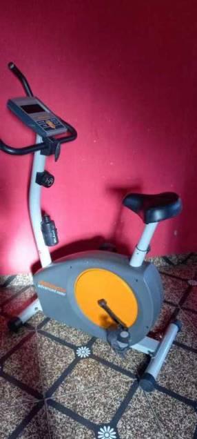 Bicicleta estática Athletic