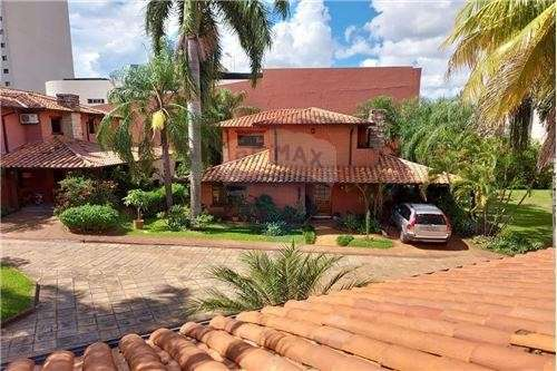 Residencia en barrio Cerrado - 7