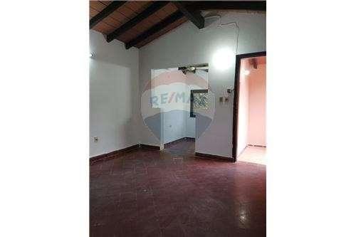 Casa Barrio Bella Vista Asunción zona Colegio Magis - 8