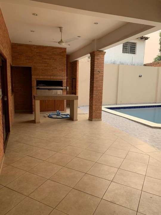 Casa sobre Rojas Silva casi 22 proyectadas - 2