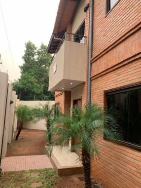 Casa sobre Rojas Silva casi 22 proyectadas