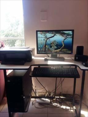 Computadora de mesa + Impresora