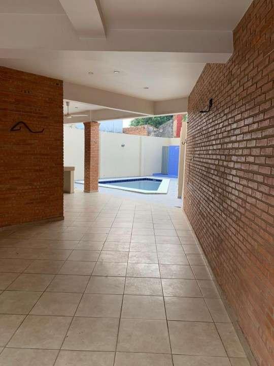 Casa sobre Rojas Silva casi 22 proyectadas - 4