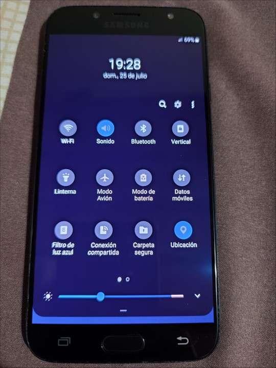 Samsung Galaxy J7 Pro 64gb - 2