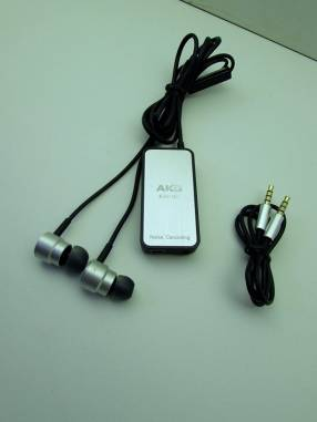 Auricular AKG K391NC Pro con cancelación de ruído