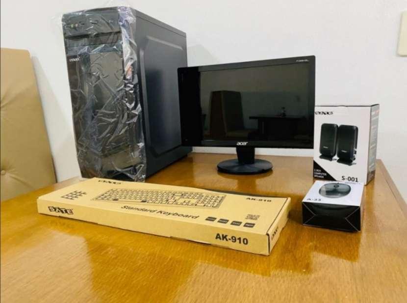 Computadora de mesa escritorio - 1