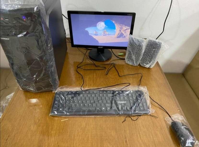 Computadora de mesa escritorio - 0