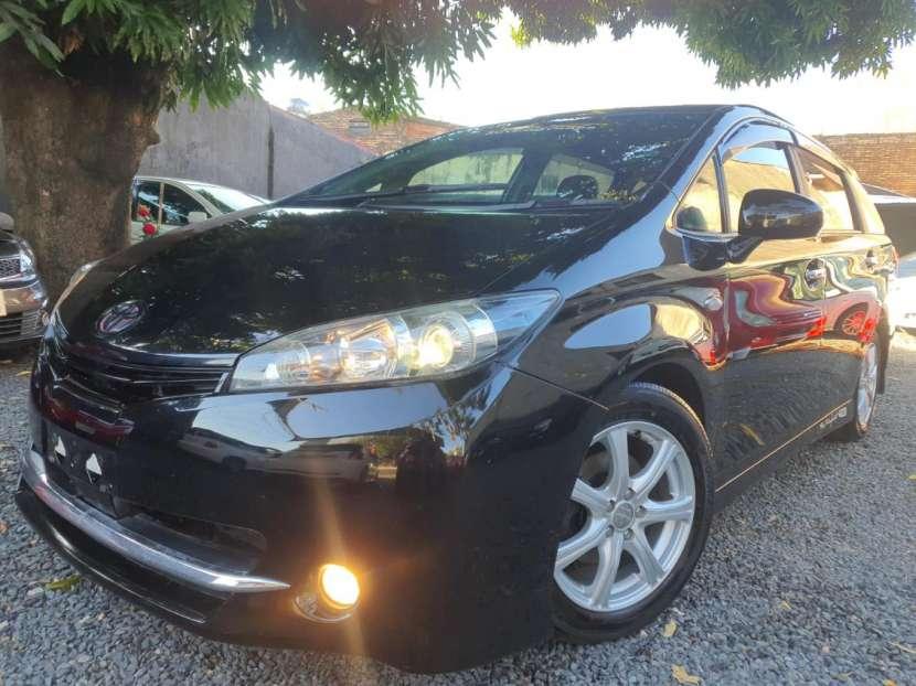 Toyota New Wish 2009 - 0