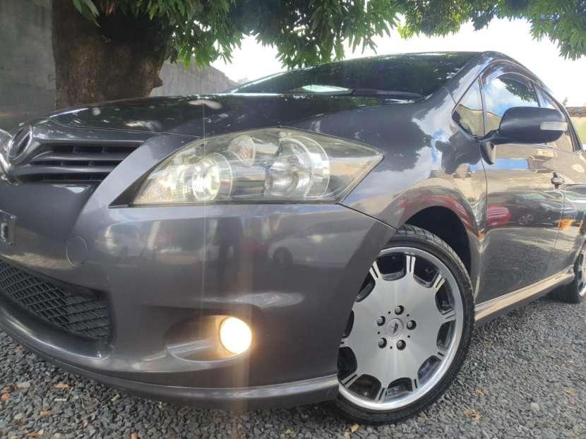Toyota New Auris 2010 - 0