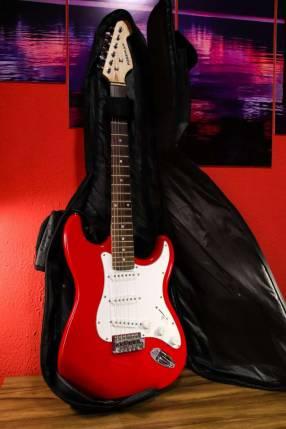Guitarra eléctrica Freeman + estuche
