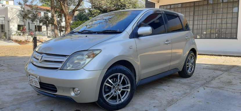Toyota IST 2003 - 1