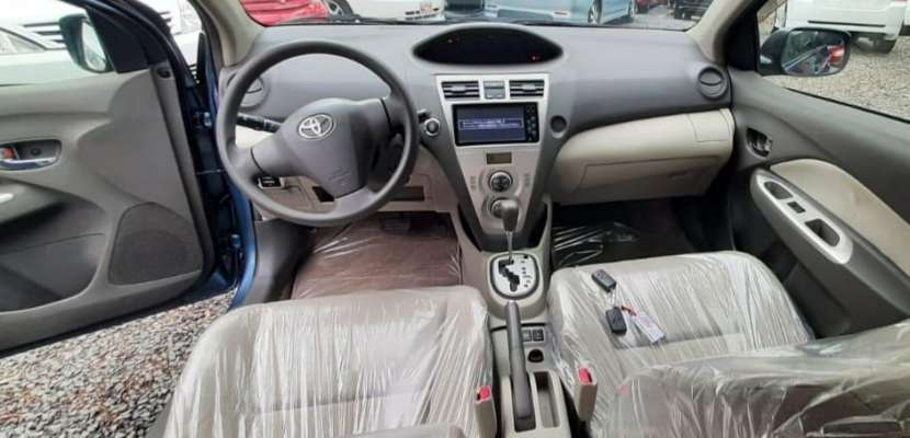 Toyota Belta 2008 - 3