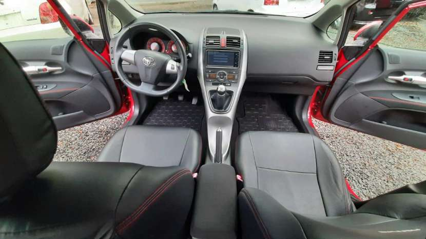 Toyota New Auris RS 2010 - 4