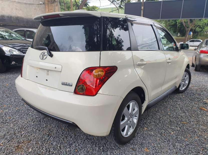 Toyota IST 2005 - 5