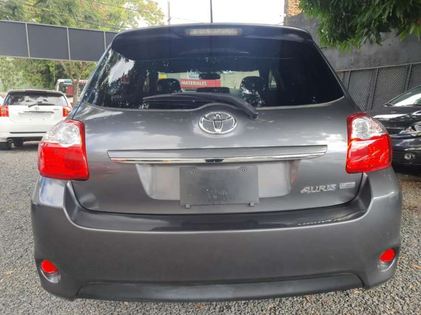 Toyota New Auris 2010 - 6