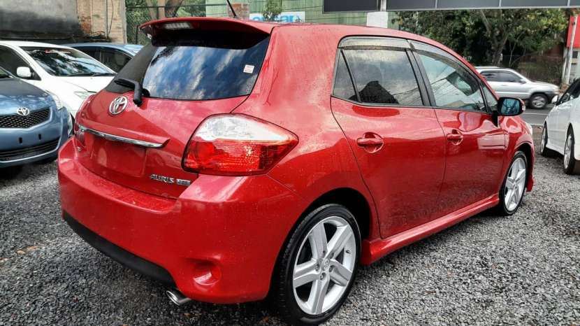 Toyota New Auris RS 2010 - 8