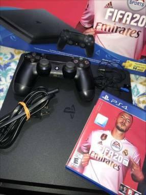 PS4 de 1TB + FIFA 21