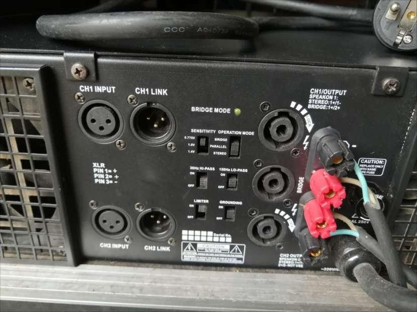 Amplificador QSC americano - 1