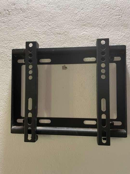 Smart TV Midas de 32 pulgadas con soporte de pared - 5