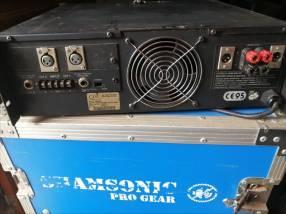 Amplificador QSC americano